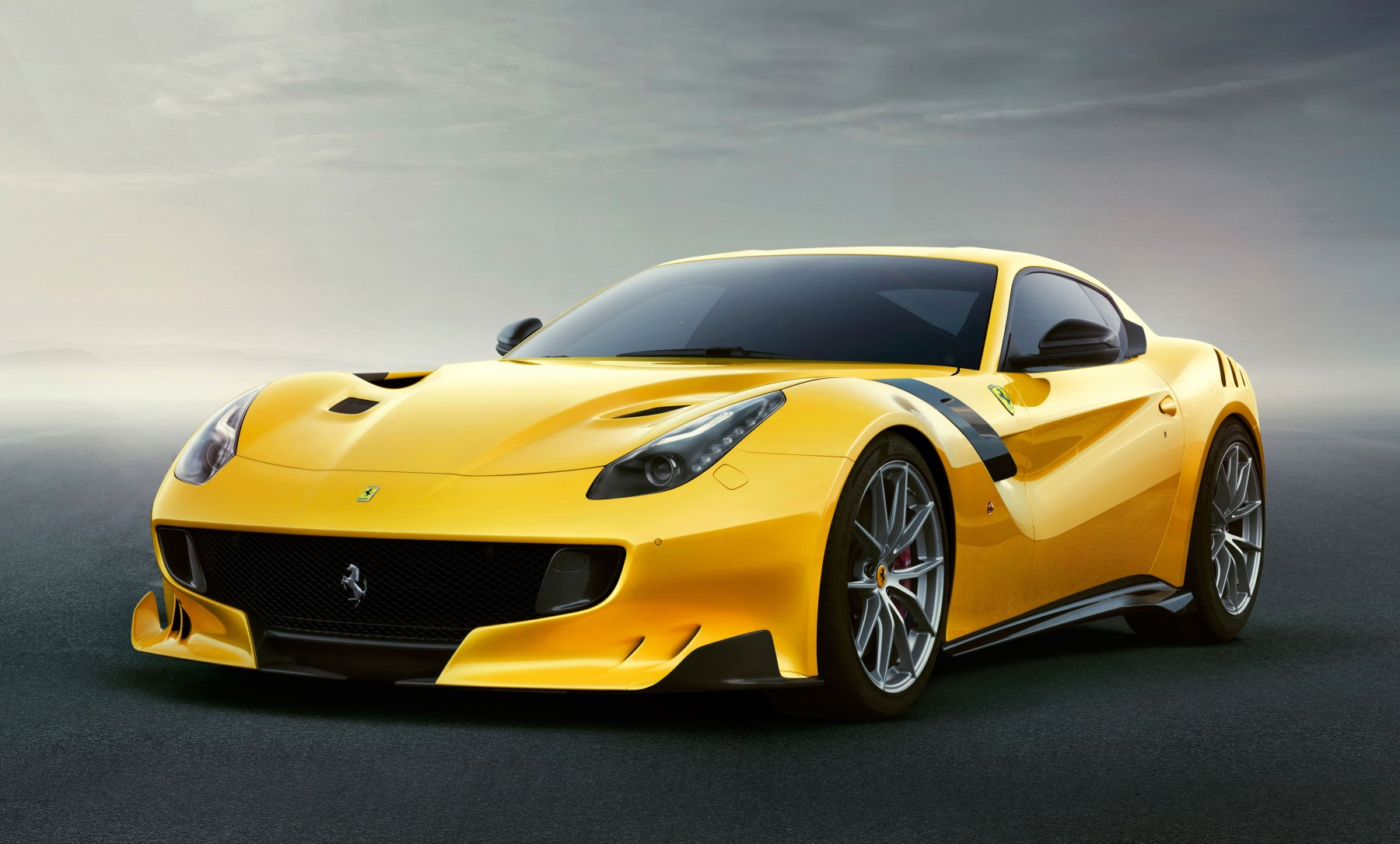F12TdF11 - FERRARI TOUR DE FRANCE SPECIAL EDITION